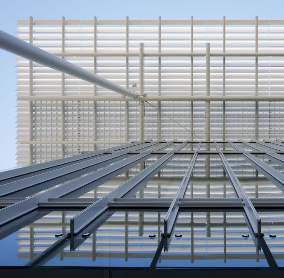<p><a href='http://www.rpbw.com' title='http://www.rpbw.com' target='_blank'>Renzo Piano<br />Building Workshop</a> <br />  </p> <p><a href='http://www.rpbw.com/project/74/chicago-art-institute-the-modern-wing/' title='http://www.rpbw.com/project/74/chicago-art-institute-the-modern-wing/' target='_blank'>The Modern Wing,<br />Art Institute of Chicago</a> </p>