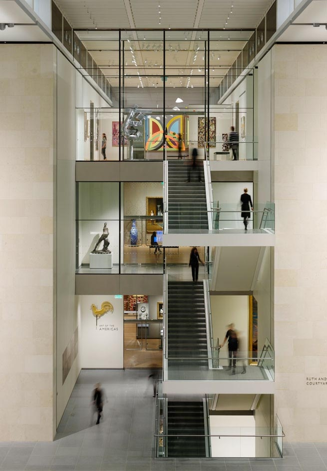 <p><a href='http://www.fosterandpartners.com' title='http://www.fosterandpartners.com' target='_blank'>Foster and Partners</a>