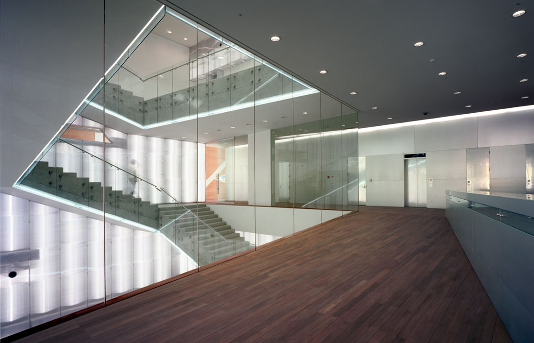 <p>OMA<br />   </p> <p><a href='http://www.oma.nl/projects/2005/seoul-national-university-museum-of-art/' title='http://www.oma.nl/projects/2005/seoul-national-university-museum-of-art/' target='_blank'>Seoul National Univ.<br />Museum of Art</a> </p>